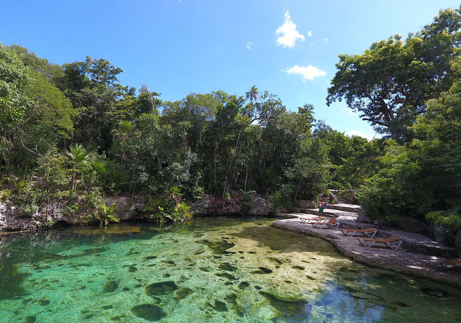 Cenote Yax Kin